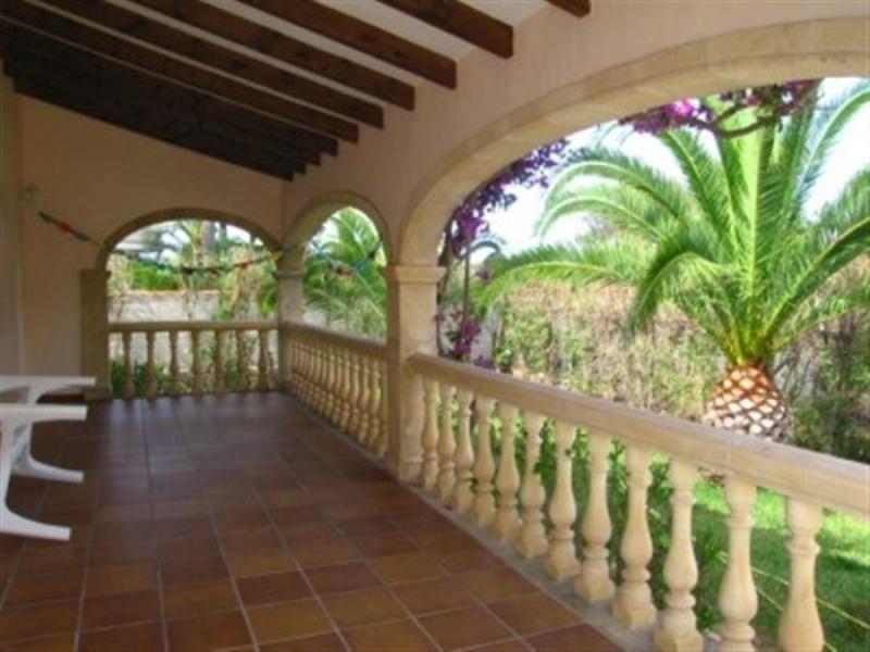 Una villa muy tradicional construida en 1996, ubicada a poca distancia del Arenal.