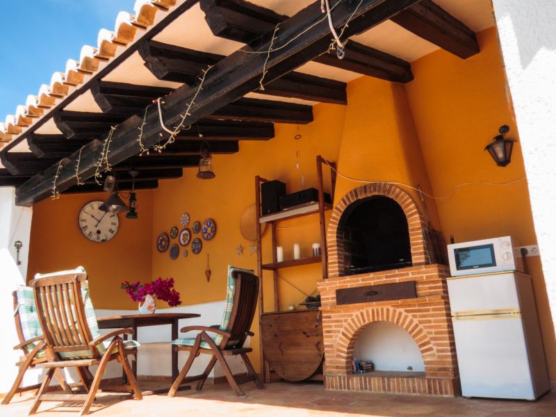 Villa parcialmente renovada en Balcon al Mar, Javea