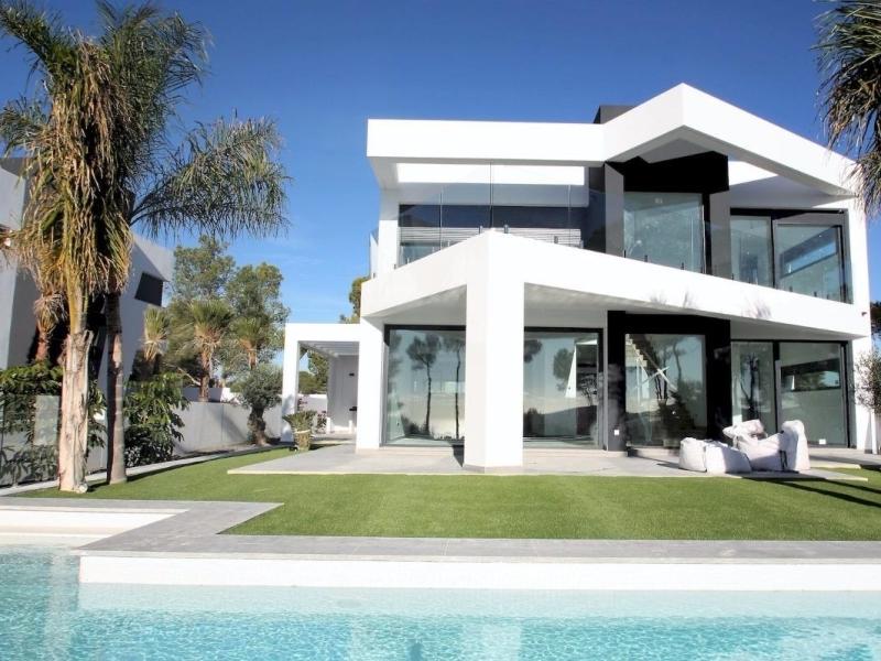 Villa de estilo moderno en venta en Moraira Camarocha Costa Blanca, España